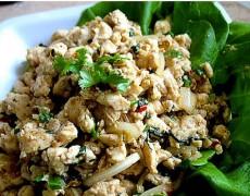 14. Chicken/Beef salad (Larb)
