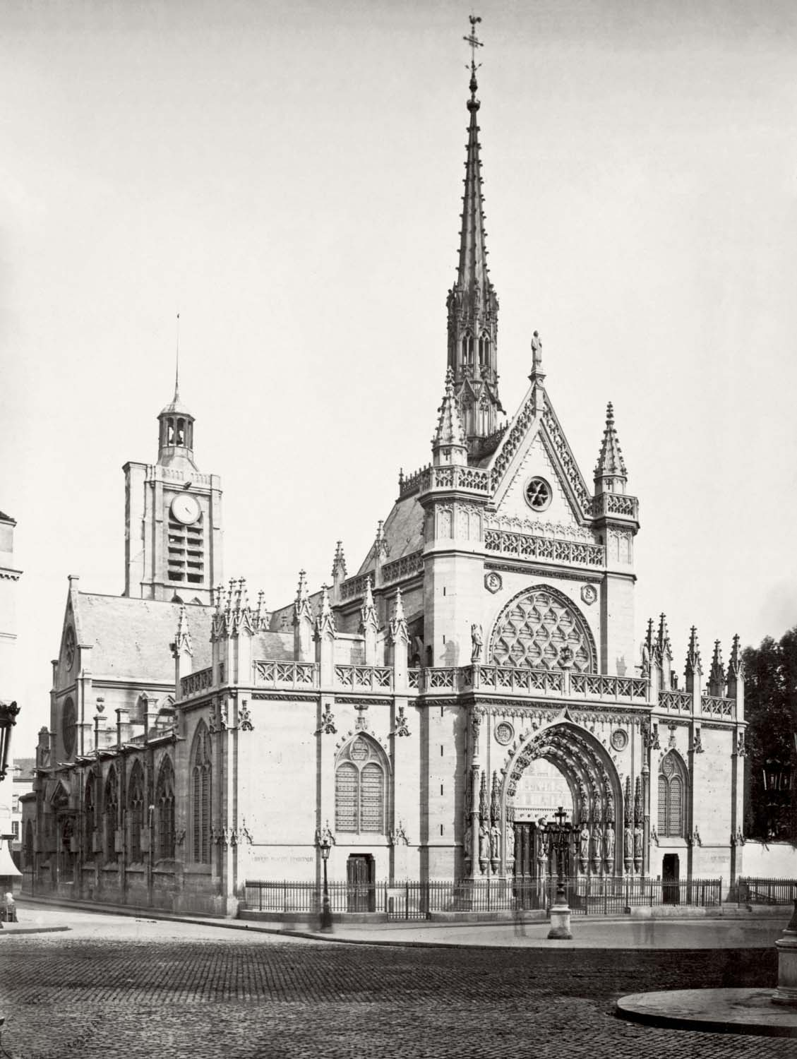 A mid-nineteenth-century photo of the Eglise Saint-Laurent taken by renowned French photographer Charles Marville.