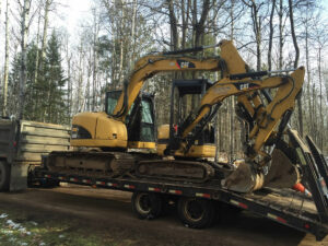 peterson-excavating-and-landscaping-duluth-minnesota-excavation-equipment