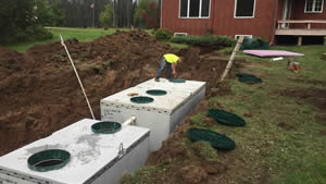 peterson-excavating-and-landscaping-duluth-minnesota-holding-tank-installation-300