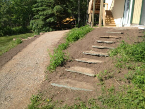 peterson-excavating-and-landscaping-duluth-minnesota-installing-steps-outdoors