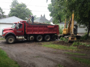 peterson-excavating-and-landscaping-duluth-minnesota-tree-stump-removal