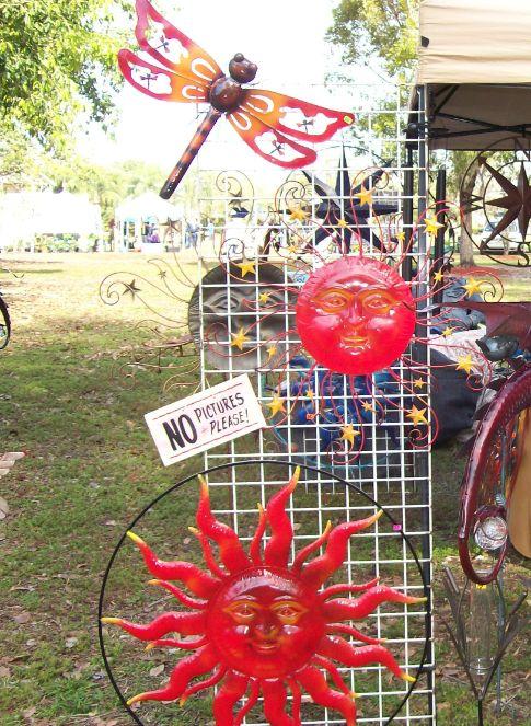 Metal Sculpture Vendor