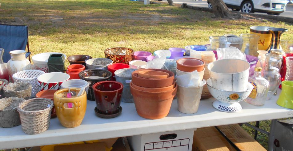 Many Pots and Vases