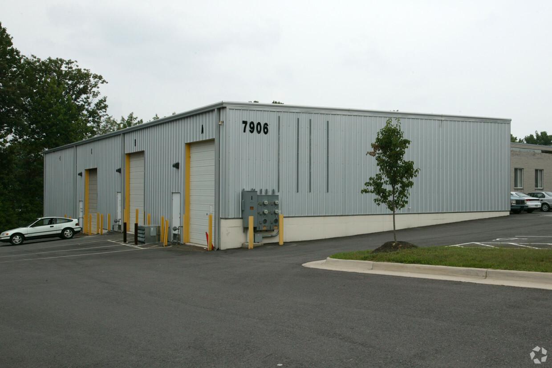 7906 Hill Park Ct. Lorton, VA