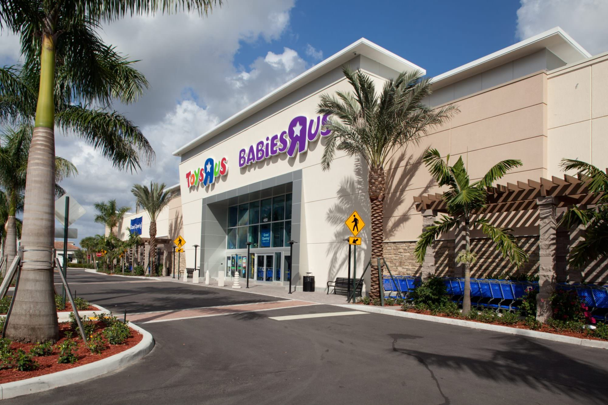 October 24th, 2012 - Royal Palm Beach, Florida: The new Toys R Us & Babies R Us store located at 450 South State Road 7 which was recently built by Pebb Enterprises.