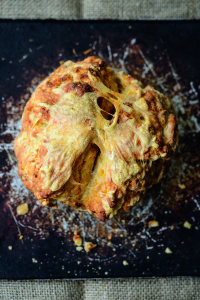 i8tonite with Grow Your Own Cake Author Holly Farrell & her Pumpkin Soda Bread Recipe