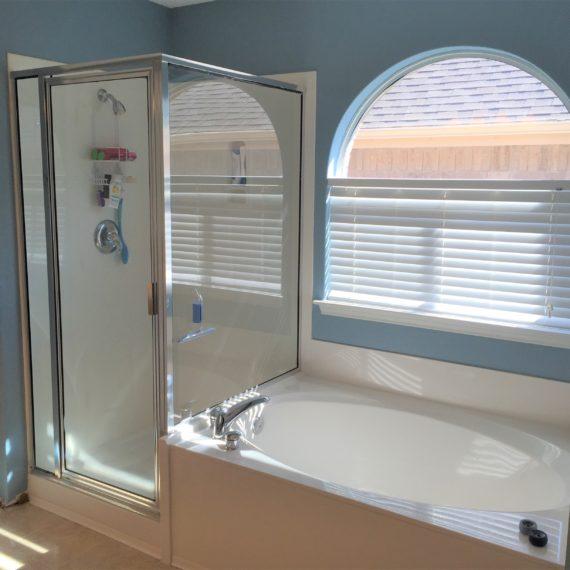 Alamo heights bathroom cabient stone oak bathroom renovation san antonio bathroom remodeling contractors affordable best rated