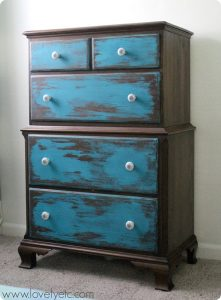 Tips-for-Distressing-Furniture1