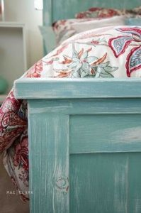 Tips-for-Distressing-Furniture5