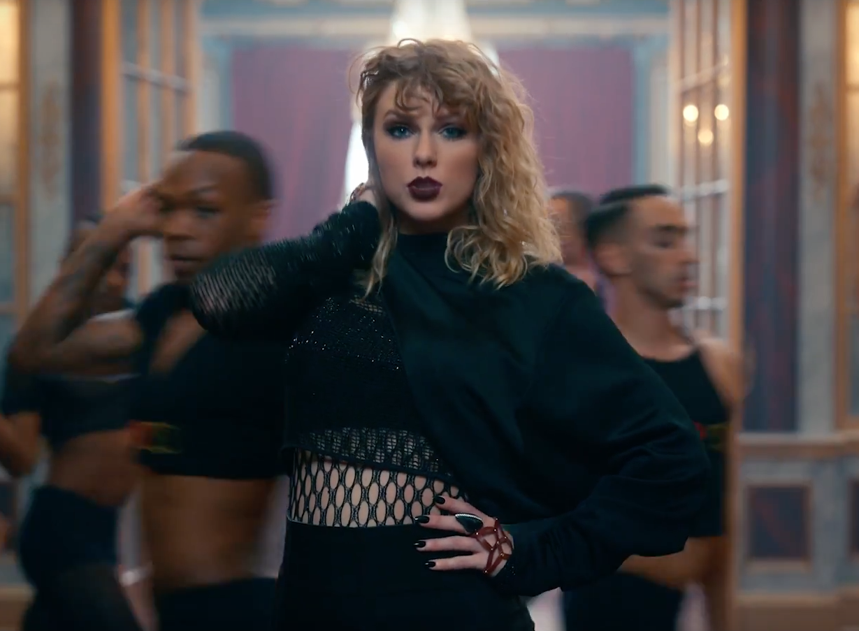 """Taylor Swift """"Look What You Made Me Do"""" Video 4Chion Style"""