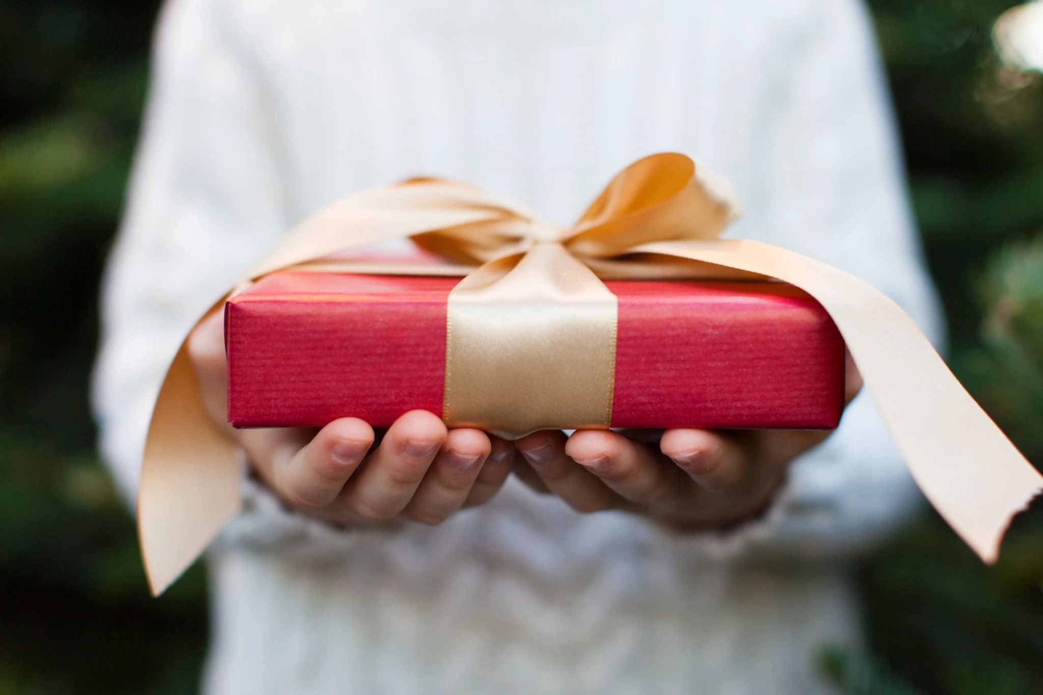 Holiday Gift Giving 4chion Lifestyle