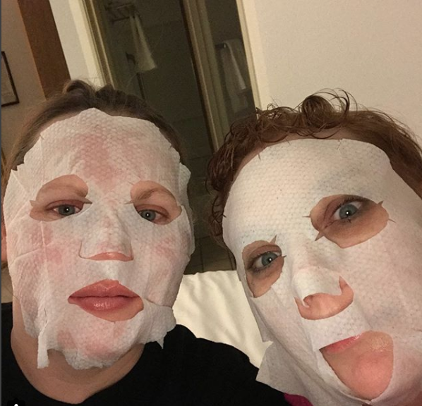Travel Tip Burt's Bees Facial Mask 4Chion Lifestyel