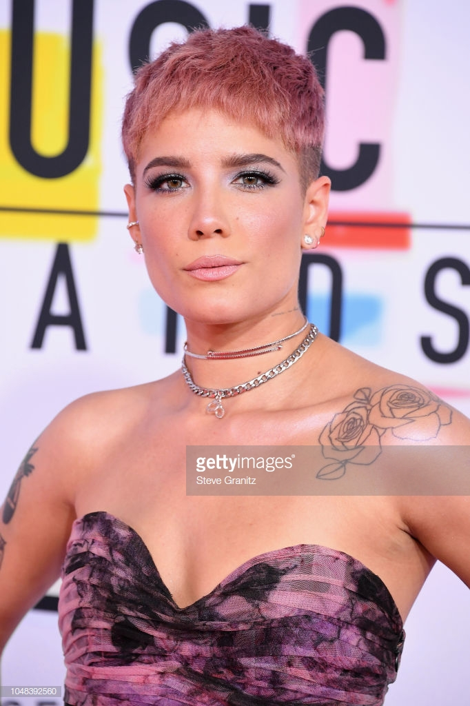Halsey American Music Awards 4chion lifestyle