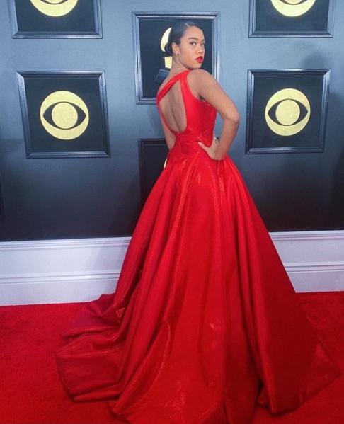 Amber Mark Grammy Red Carpet Fashion 4chion lifestyle