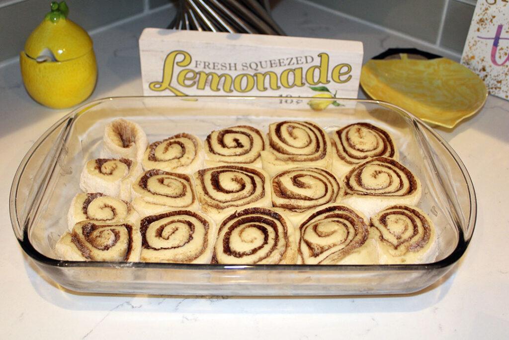 Cinnamon Rolls 4chion Foodie Lifestyle