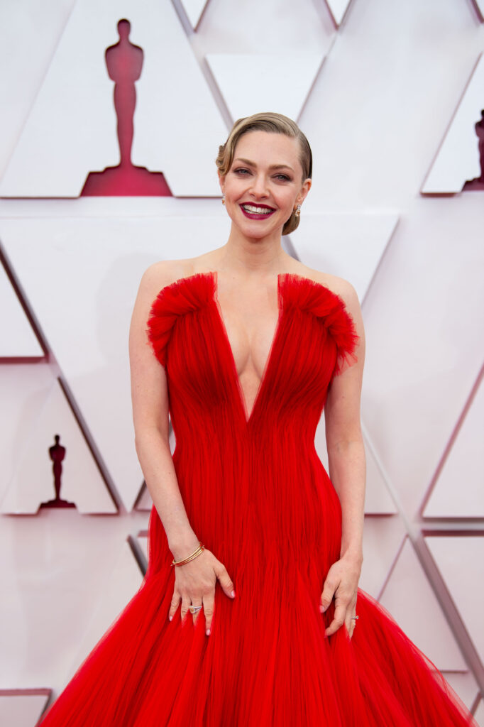 Amanda Seyfried at The Academy Awards red carpet 4Chion Lifestyle 93rd Oscars