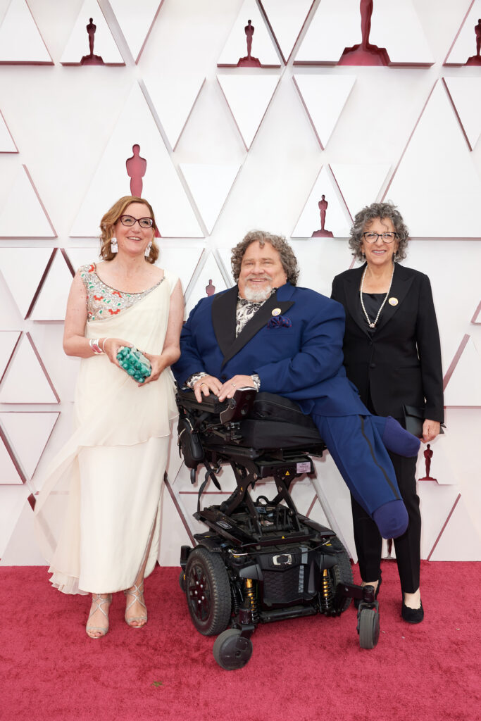 Nicole Newnham, James LeBrecht and Sara Bolder at The Academy Awards red carpet 4Chion Lifestyle 93rd Oscars