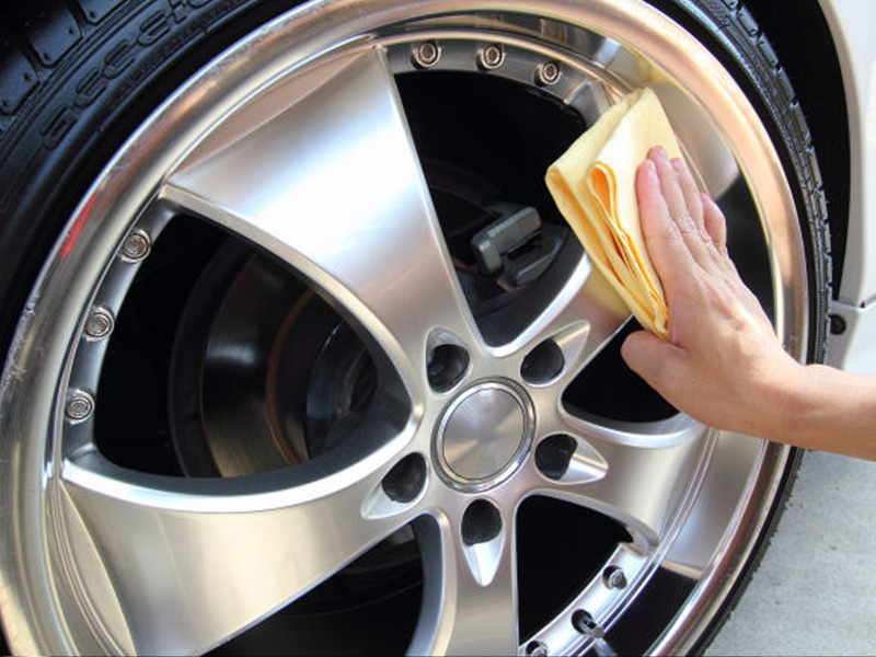 Carz Shine wheel cleaning