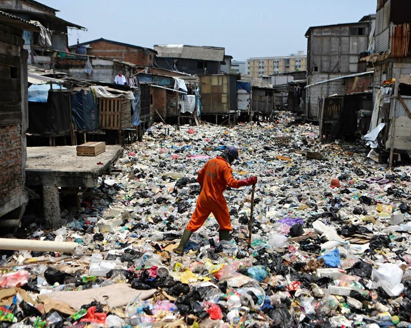 Canal polluted by single use plastic, effect of water pollution