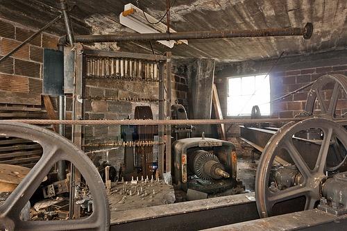 6d7124ebc2c884018c837fdce4f3ea65--abandoned-factory-elevator