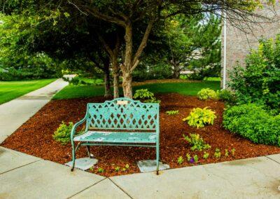 the-residency-ne-courtyard-seatin
