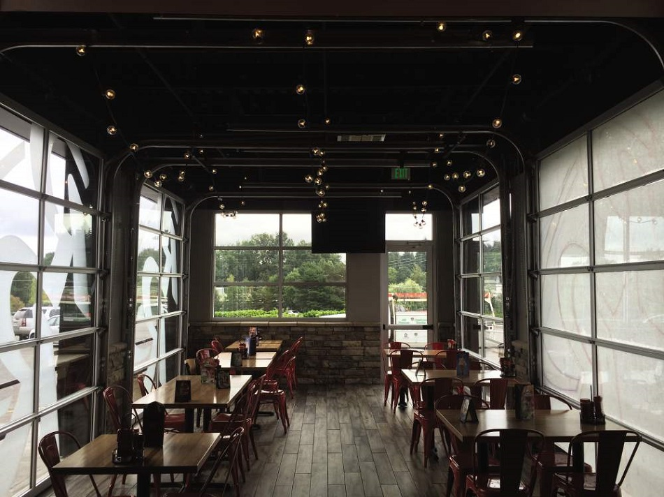 glass doors on covered patio at restaurant