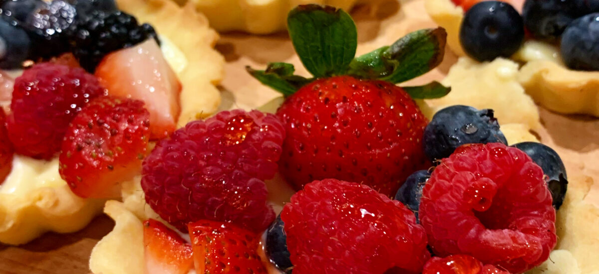 Absolutely Fabulous Fruit Tarts with easy, but totally delicious custard.
