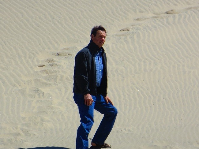 Ron hiked up a 400′ high dune with absolutely no trouble.