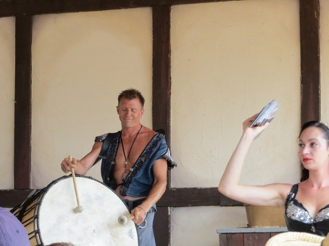 Welcome to Tartanic – A show featuring drums and Bag Pipes?