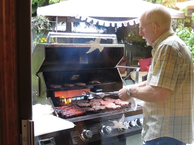 Last stop before the bus station. We stop at Dad's house who is being very sweet, and hosting a Birthday party for Holly. I sure hope I inherited his BBQ cooking gene. He can sure cook.