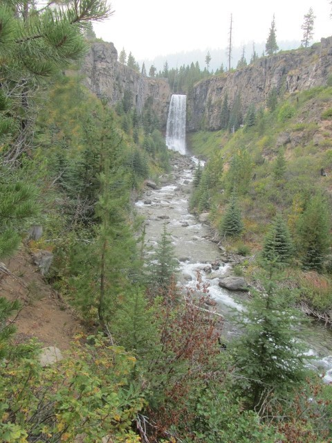 We grabbed our friends Mark and Sue and headed off to see Tumalo Falls,