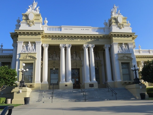 We have arrived in Riverside – (Hint – parking on the side of the street is free in most place Saturday and Sunday) This is the court house, it looks overly ornate and Romanesque. The court house was built when they had too much money around 1890.