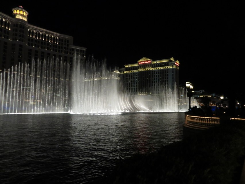 21 - Balagio fountains at climax