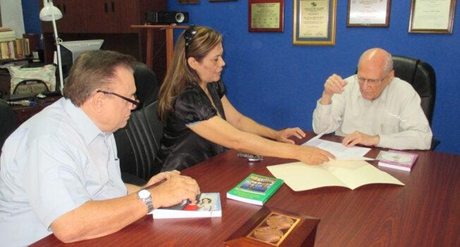 Visita a la Fundación Enrique Bolaños