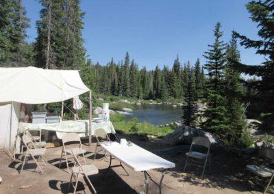 camp-amenities-fishing-trip-mountains