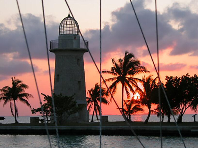 sunset in the sailing tour at Boca chita