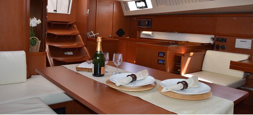 Interior sailing dining, ready for inside sailing dinner tour .