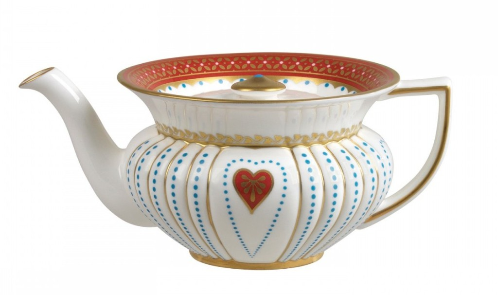 wedgwood-harlequin-queen-of-hearts-teapot-091574111087_1b