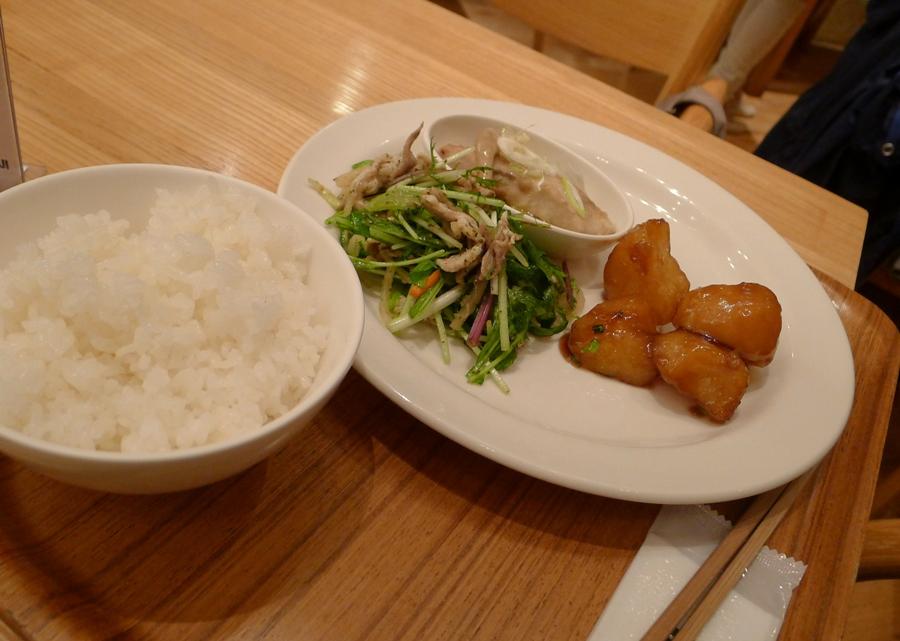 AJ's lunch: Mahi-Mahi Fish, Salad and Sweet Potatoes