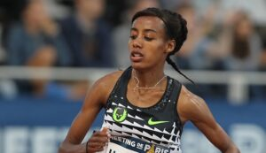 Sifan Hassan in action in the women's 10,000