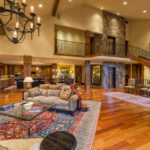 Vail-Mountain-Elegant-great-room-with-elevator