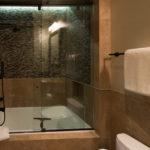 Beaver-Creek-mountain-modern-integrated-bathtub