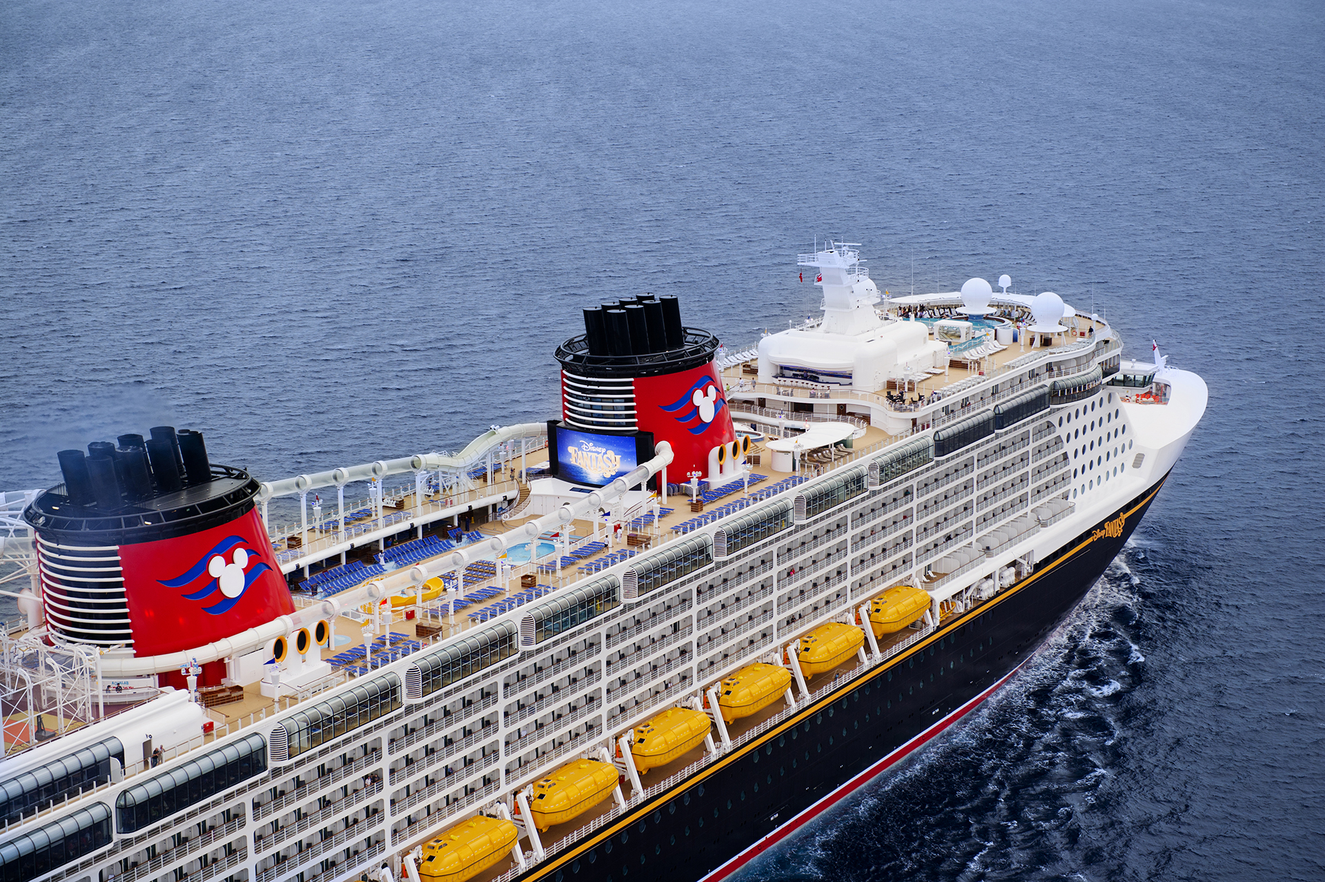 *cruise ship from above