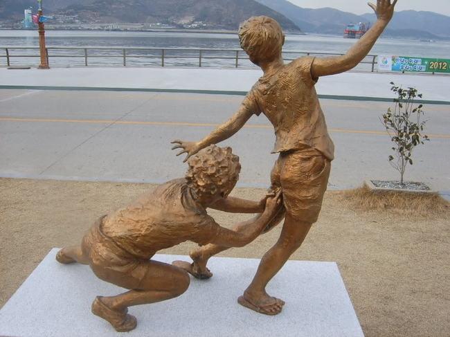 strange sculptures