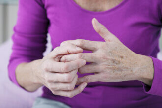 arthritis symptoms in hands
