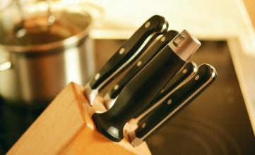 Mayflower Tips for Packing Knives