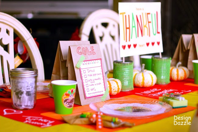 http://www.designdazzle.com/2012/11/christmas-wonderful-a-thanksgiving-table-for-kids-free-printables/
