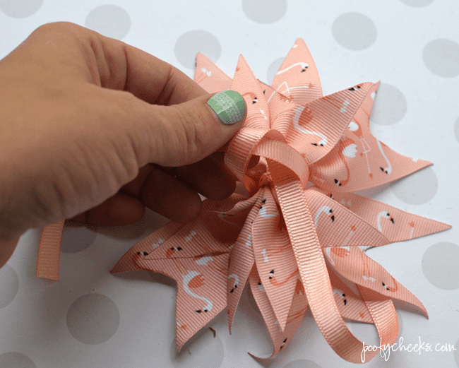 Spiker Hair Bow Tutorial - Step by Step Instructions for making grosgrain ribbon hair bows.