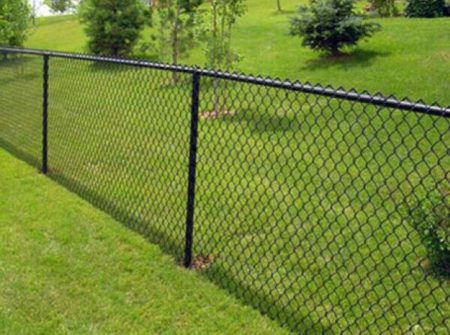 boulevard-fence-black-vinyl-coated-chain-link-fence
